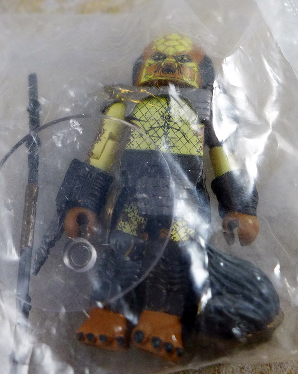 City Predator Loose Minimate (Predator Blind Bag Series 1)